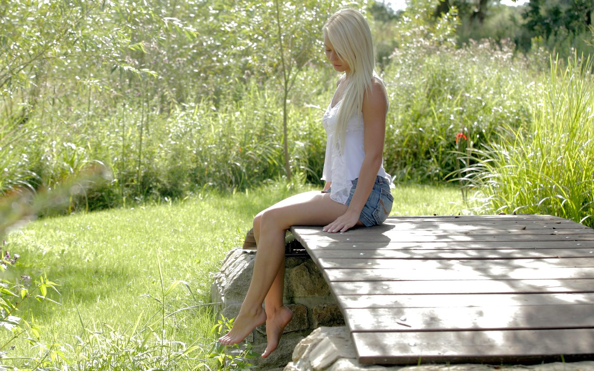 Секс девушки на природе россия, Порно на природе летом, секс на природе бесплатно на 8 фотография